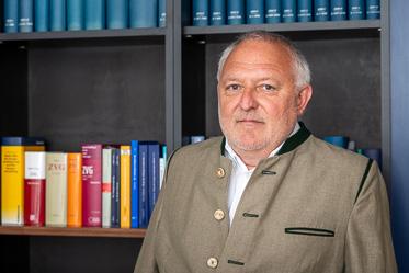 Dr. Peter Bothe